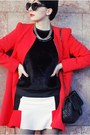 Black-momenti-boots-red-sheinside-coat-black-woakao-bag