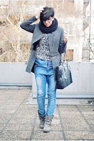 heather gray By Zoe coat - heather gray Krisbbo boots - blue Bershka jeans