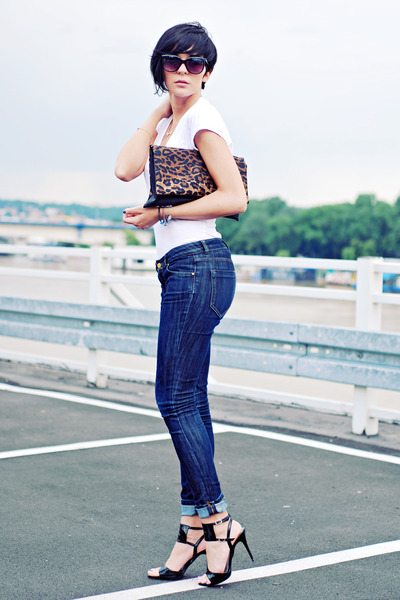 black Tašnarija bag - navy Zara jeans - white TFY shirt - black no brand sandals