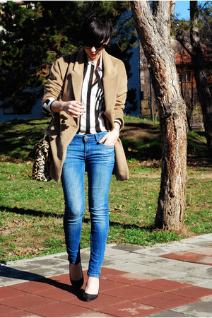 white Bershka shirt - camel romwe coat - blue Zara jeans - dark brown Lookat bag