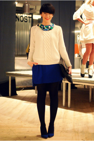 blue Zara dress - white Zara sweater - black Tasnarija bag - blue Zara pumps