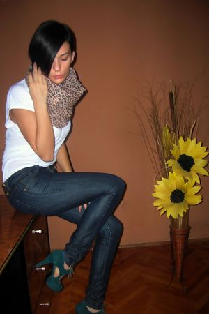 brown Zara scarf - white TFY t-shirt - blue Zara jeans - green Jessica Simpson s