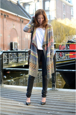vintage cardigan - vintage jeans - River Island shirt - Nelly heels