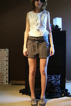 Old Navy shirt - Lux shorts - we who see shoes - fred flare sunglasses