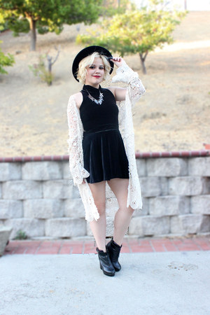 black velvet Ebay skirt - American Apparel top