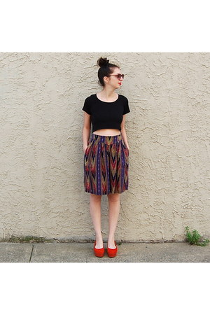 ruby red vintage shorts - carrot orange vagabond shoes