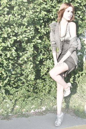 gray Something Else cardigan - gray Osklen dress - white Charlotte Ronson shoes