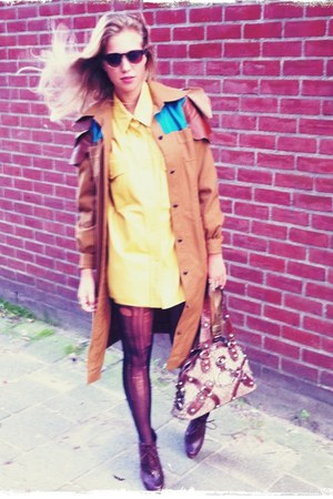 vintage coat - Zara shoes - Guess bag - vintage blouse
