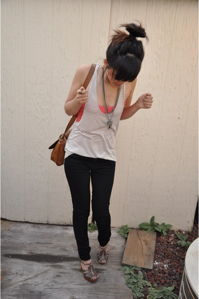 J Brand pants - Aritzia top - vintage necklace - H&M accessories