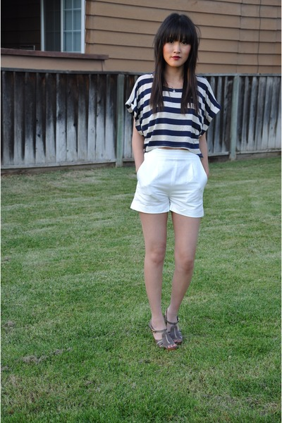 white shorts lark&wolff shorts - blue BDG top