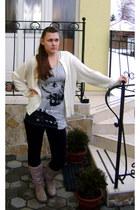 Only t-shirt - Terranova pants - Julietta cardigan - Gate necklace