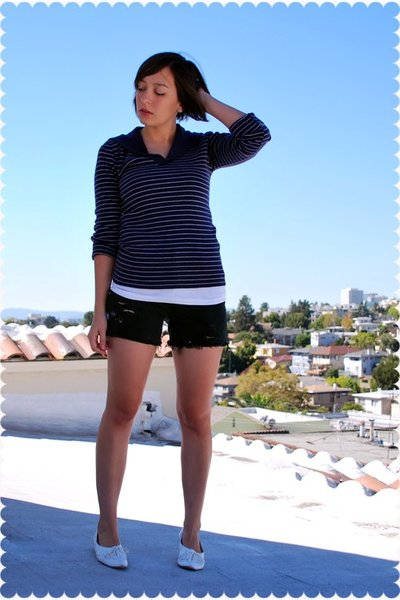 vintage sweater - JCrew top - thrifted shorts - vintage shoes