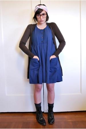 Levis sweater - thrifted vintage dress - Longs socks - vintage shoes