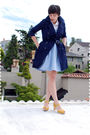White-blouse-blue-dress-yellow-shoes