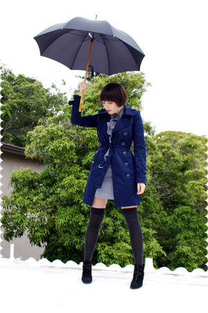 blue trench H&M coat - black vintage suede DKNY boots