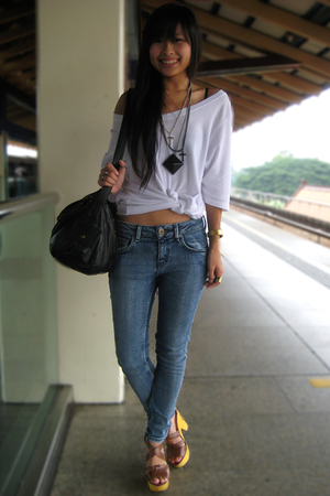 white knotted top - brown Steve Madden shoes - blue Topshop jeans
