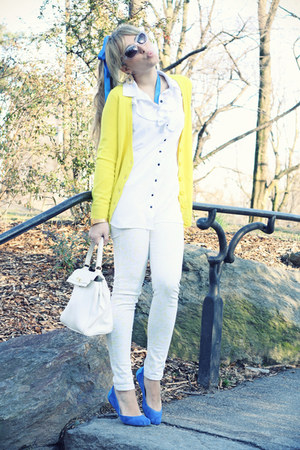 blue TOMS flats - ivory H&M jeans - white Aldo bag