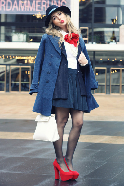 red H&M accessories - navy Sinequanone coat - navy H&M blazer - white Aldo bag