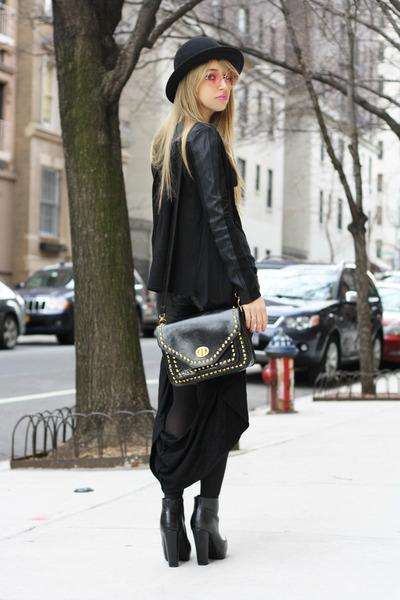 Black-dollhouse-boots-black-h-m-hat-black-bijou-fashion-jewelry-bag_400