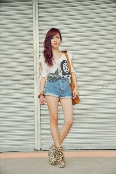 dark khaki leopard Asian Vogue boots - blue denim shorts DIY shorts