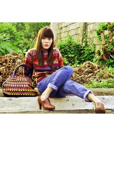 wool romwe sweater - denim Guess jeans - ethnic print Gap bag