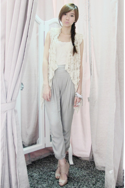Korean vest - Topshop top - warehouse pants - accessories - thrifted