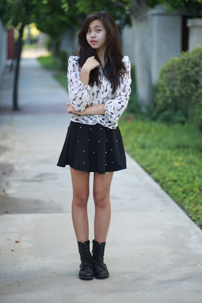 black OASAP skirt