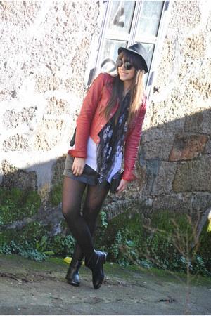 black Pepe Jeans skirt - Bimba&Lola boots - Stradivarius jacket - Alexander McQu