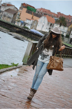 Adolfo Dominguez boots - hakei coat - Zara bag - Zara t-shirt - Zara pants
