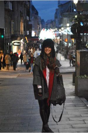 Zara scarf - Pepe Jeans bag - H&M hat - Bershka pants - Bimba&Lola coat - denny