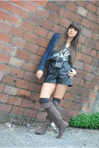 Zara boots - Zara jacket - Music Collection shorts - Bershka t-shirt