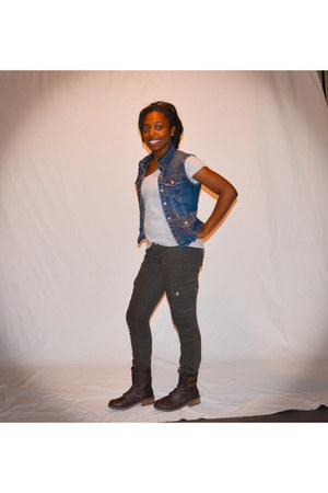 blue blue jean Old Navy vest - dark brown combat boots Call it Spring boots