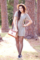 black saddle oxfords Urban Outfitters shoes - tan Dooney & Bourke bag