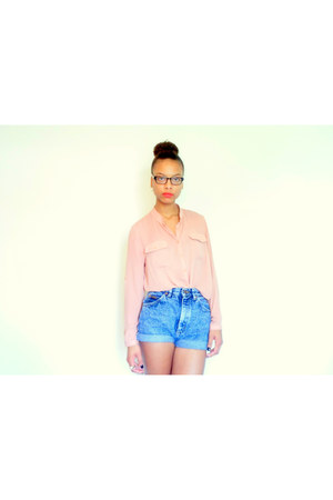 blue denim shorts Lee shorts - light pink sheer Forever 21 blouse