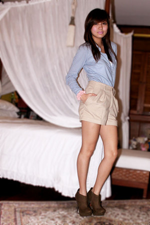 sky blue Forever 21 blouse - camel H&M shorts - olive green Charlotte Russe boot