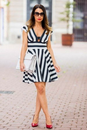 black striped Love dress - white leather Zara bag