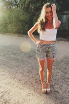 white crop singlet cotton on top - black pom pom hem ids shorts