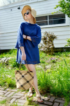 blue vintage crochet dress - beige Gap hat - tan thrifted bag