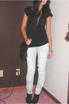 H&M t-shirt - forever 21 jeans - forever 21 necklace - forever 21 accessories -