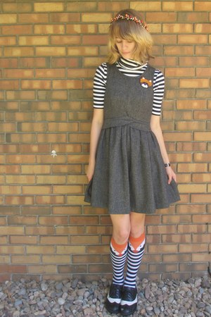 black thrifted shirt - gray thrifted dress - carrot orange Target socks