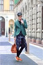 Forest-green-h-m-blazer-black-zara-leggings-navy-vintage-shirt