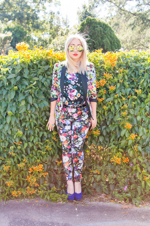 floral Target blazer - aviator cotton on sunglasses - floral SUPRÉ top
