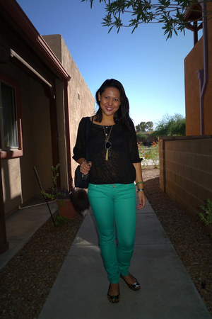 aquamarine Delias pants - black Forever 21 blouse - camel Nine West flats