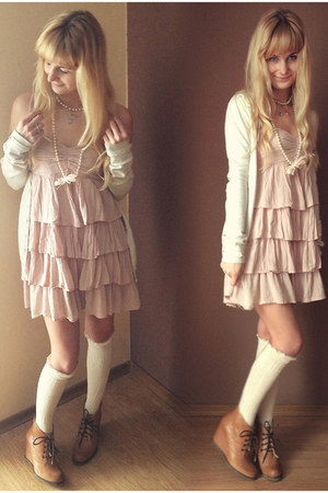 cream Bershka sweater - mustard ryłko boots - light pink H&M dress