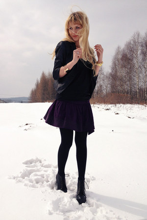 deep purple house skirt - black deezee boots - black reserved blazer