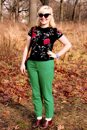 red floral Top Shop blouse - green wool JCrew pants - camel Vintage Clarks heels
