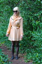 peach Dahlia dress - black cat eye vintage sunglasses