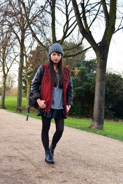NL hat - Urban Outfitters boots - thrifted shirt - Topshop bag - H&M t-shirt