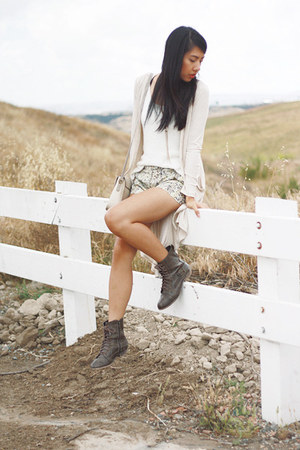 heather gray H&M shorts - brown Diba Diba boots - white H&M top