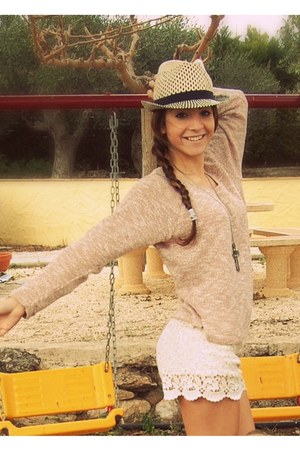 BLANCO shorts - pull&amp;bear hat - pull&amp;bear jumper - Forever 21 accessories